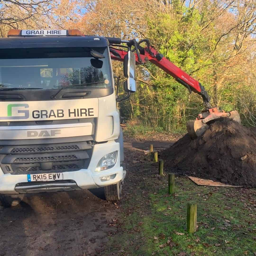 LG Grab Lorry Hire in Surrey